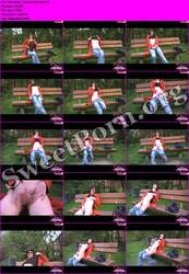 Pink-Baby aka Leonie-18 Pink-Baby - Auf der Parkbank Thumbnail